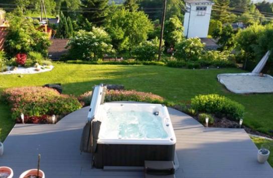 Knickerbocker Pools — Resort Living at Home